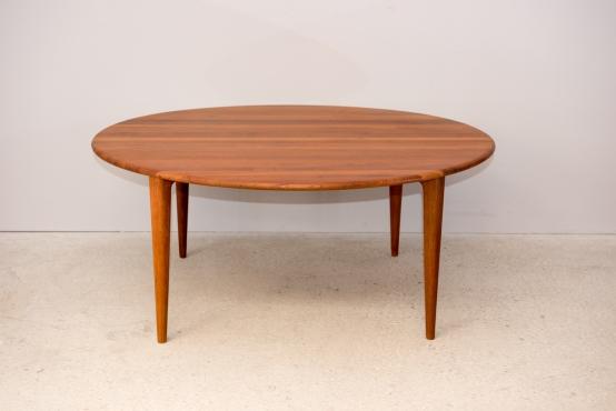 ラウンジテーブル(チーク無垢板)