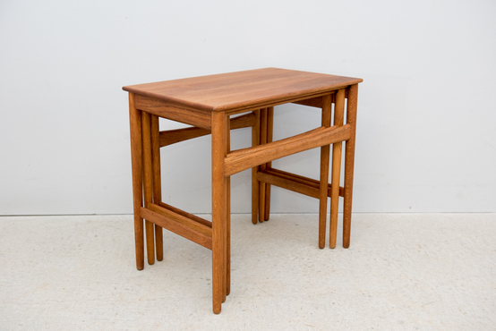 Nest Table/AT40/H J.Wegner
