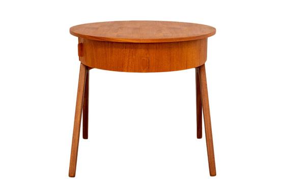 ソーイングテーブル