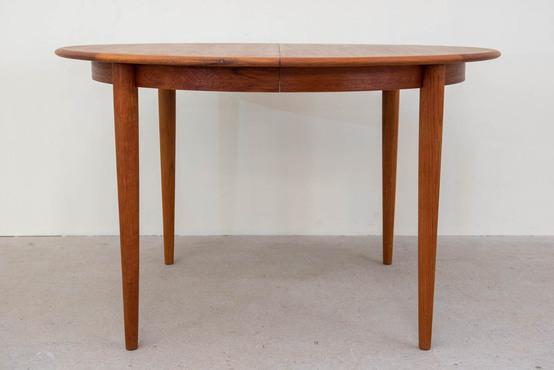 ラウンドダイニングテーブル[Sold_Out]