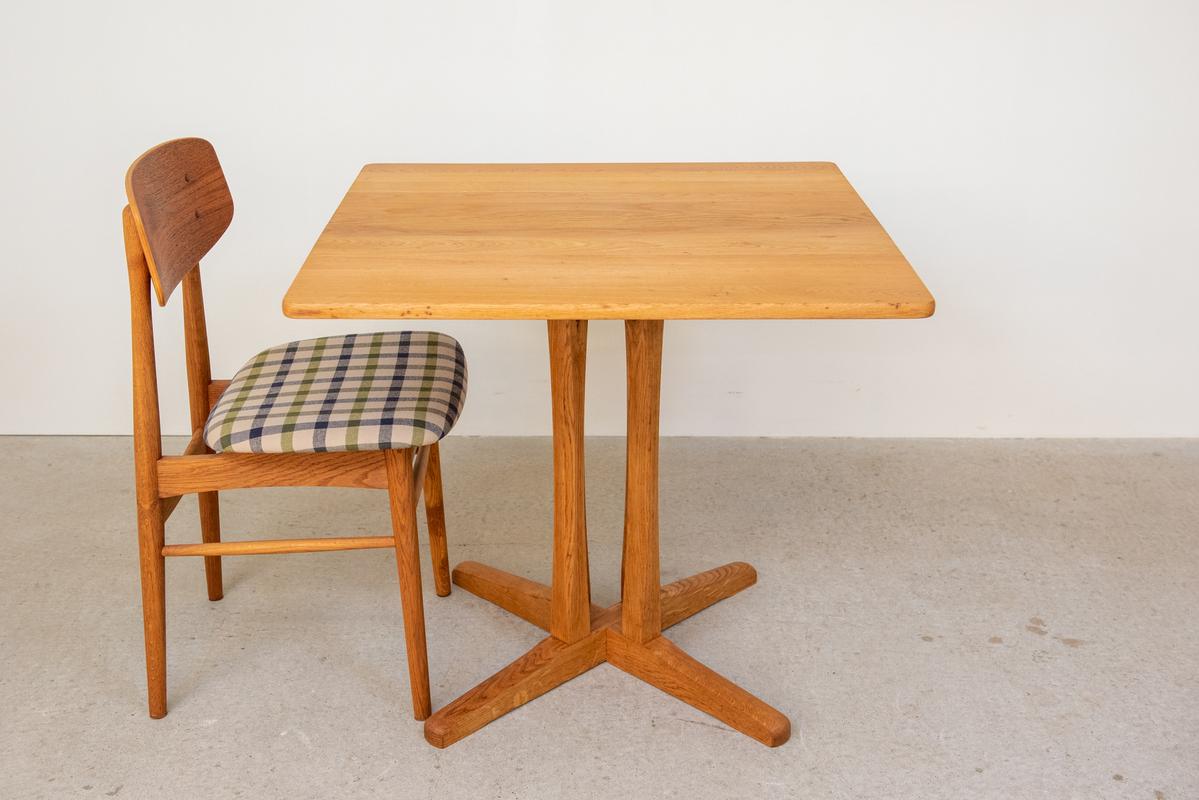 カフェテーブル80X80 オーク無垢材